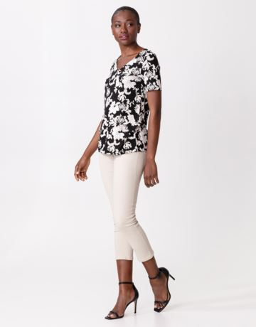 Patterned short sleeved top