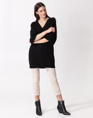 V-neck knitted tunic