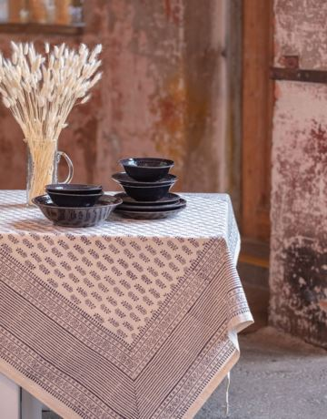 Patterned organic cotton tablecloth